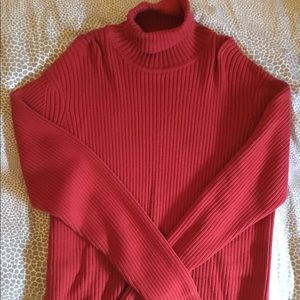 CLUB MONACO RED TURTLENECK